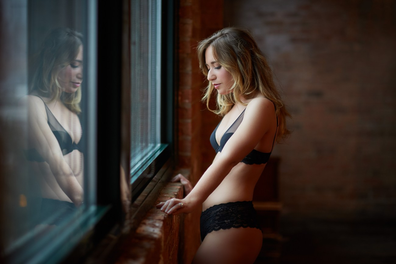 chicago boudoir photographer studio - Boudoir Session – a Holiday Gift to Yourself