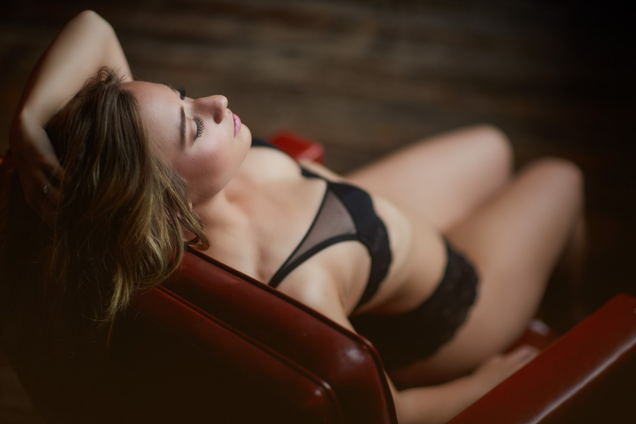 classy Chicago boudoir photography