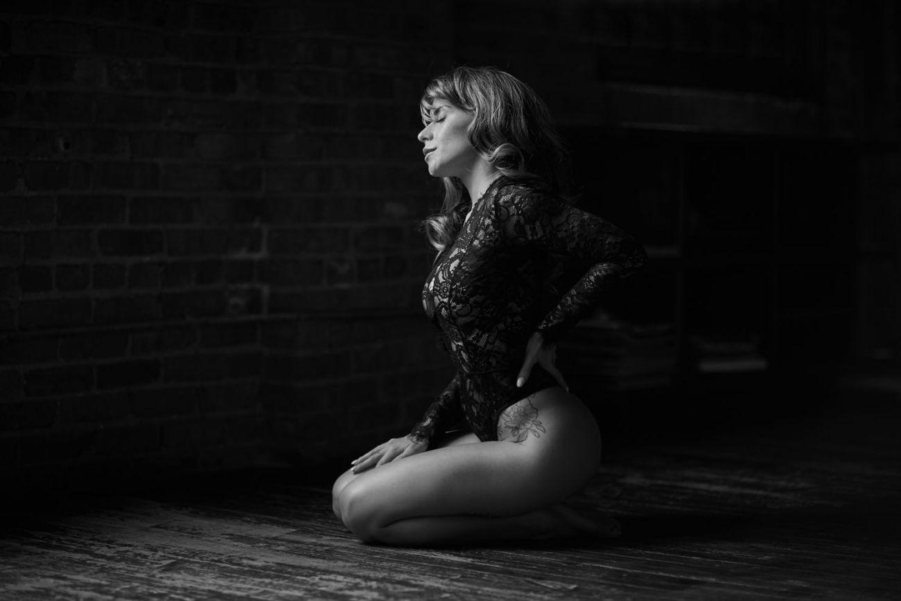 chicago elegant sexy boudoir - Boudoir Session -  A Gift for Her