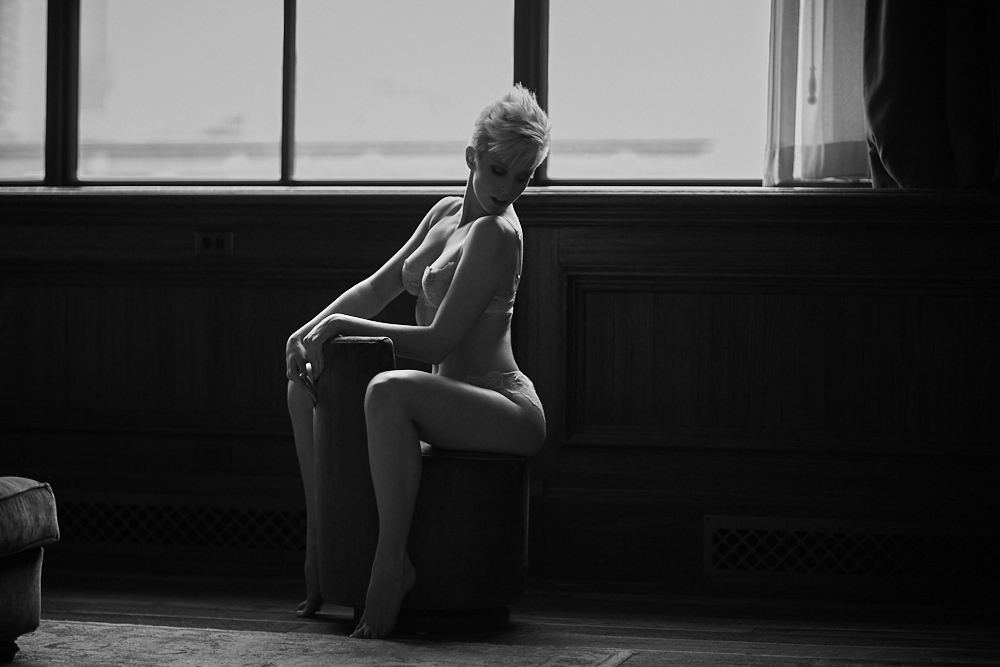 chicago boudoir photography nude hotel - How to Choose a Perfect Location for Your Boudoir Session