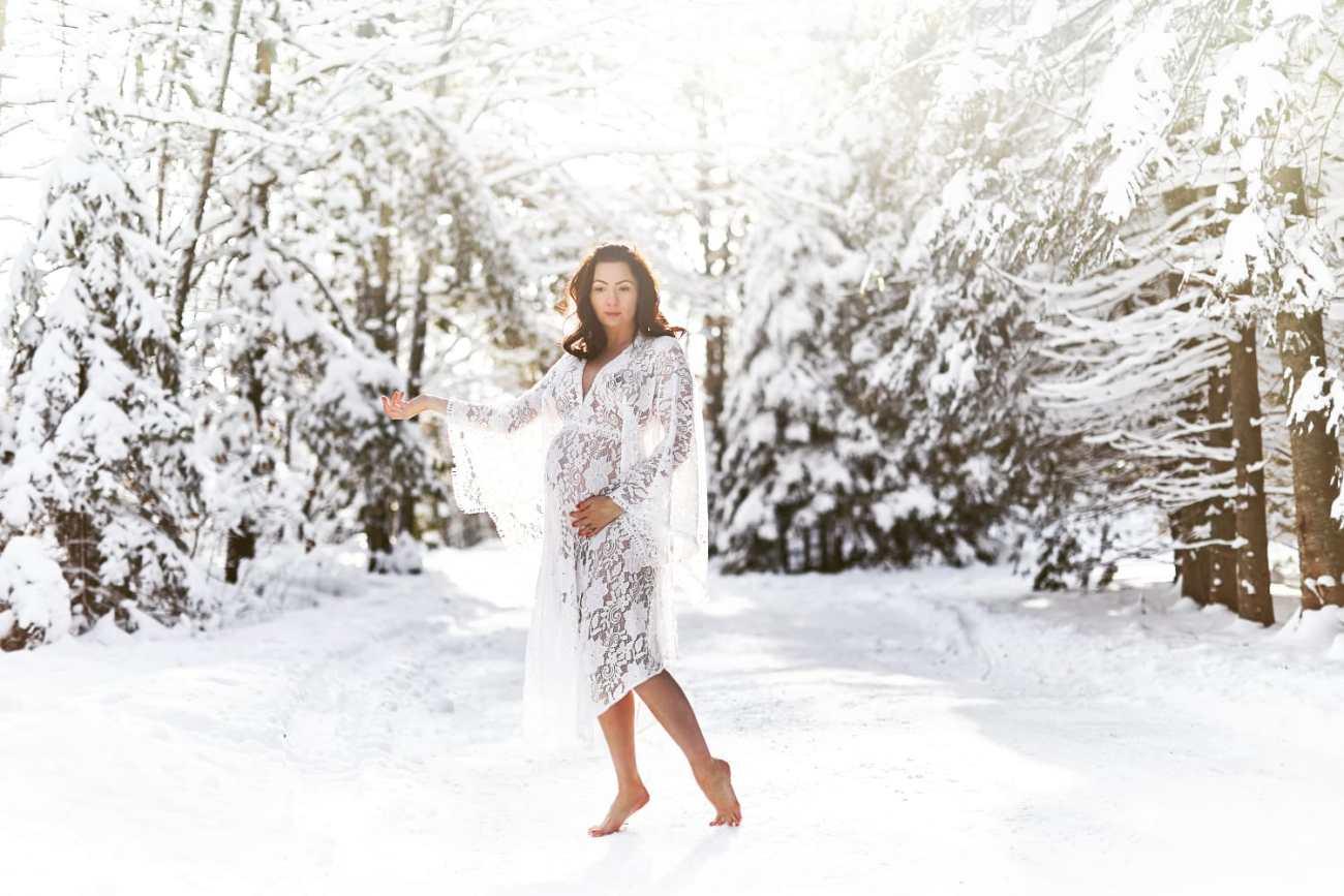 winter maternity pregnancy boudoir - Listing E