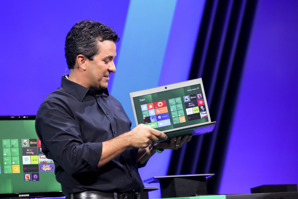 Download windows 8 developer preview 32-bit and 64-bit now.