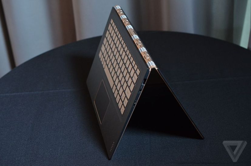 Lenovo Yoga 900S flipped mode