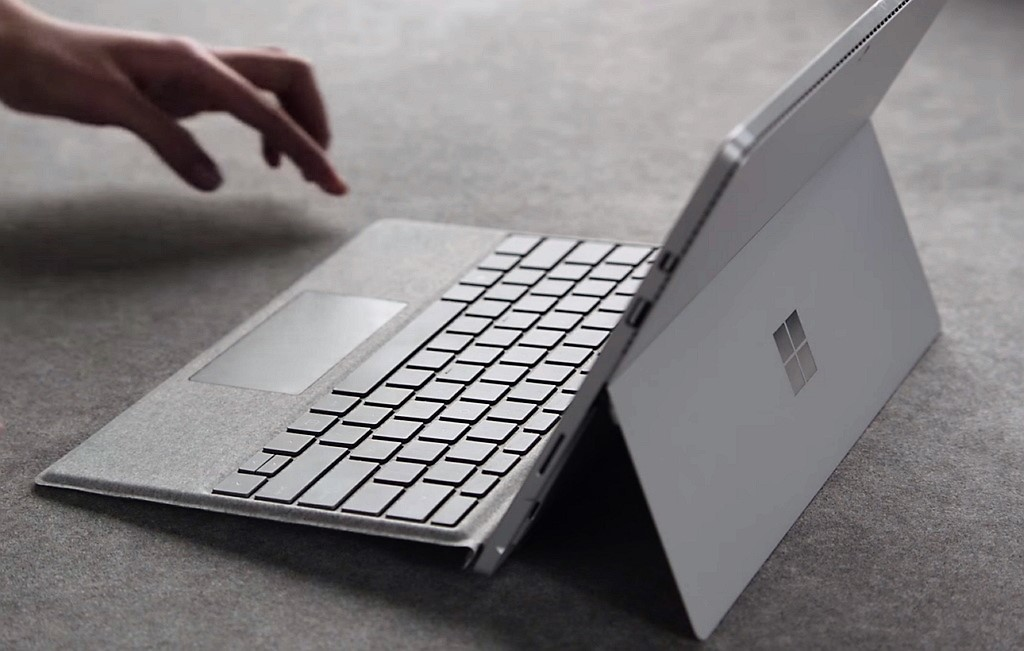 Signature Type Cover for Surface Pro 4 covered in luxurious Alcantara fabric