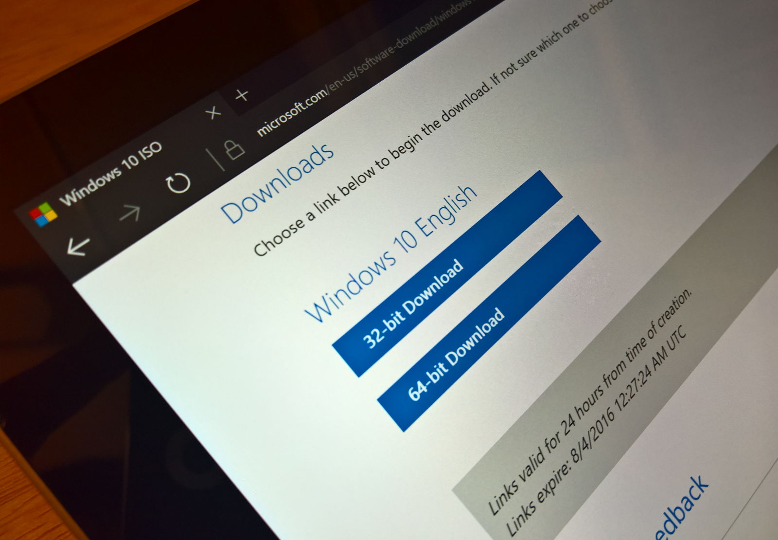 Download the official ISO files for Windows 10 Anniversary Update