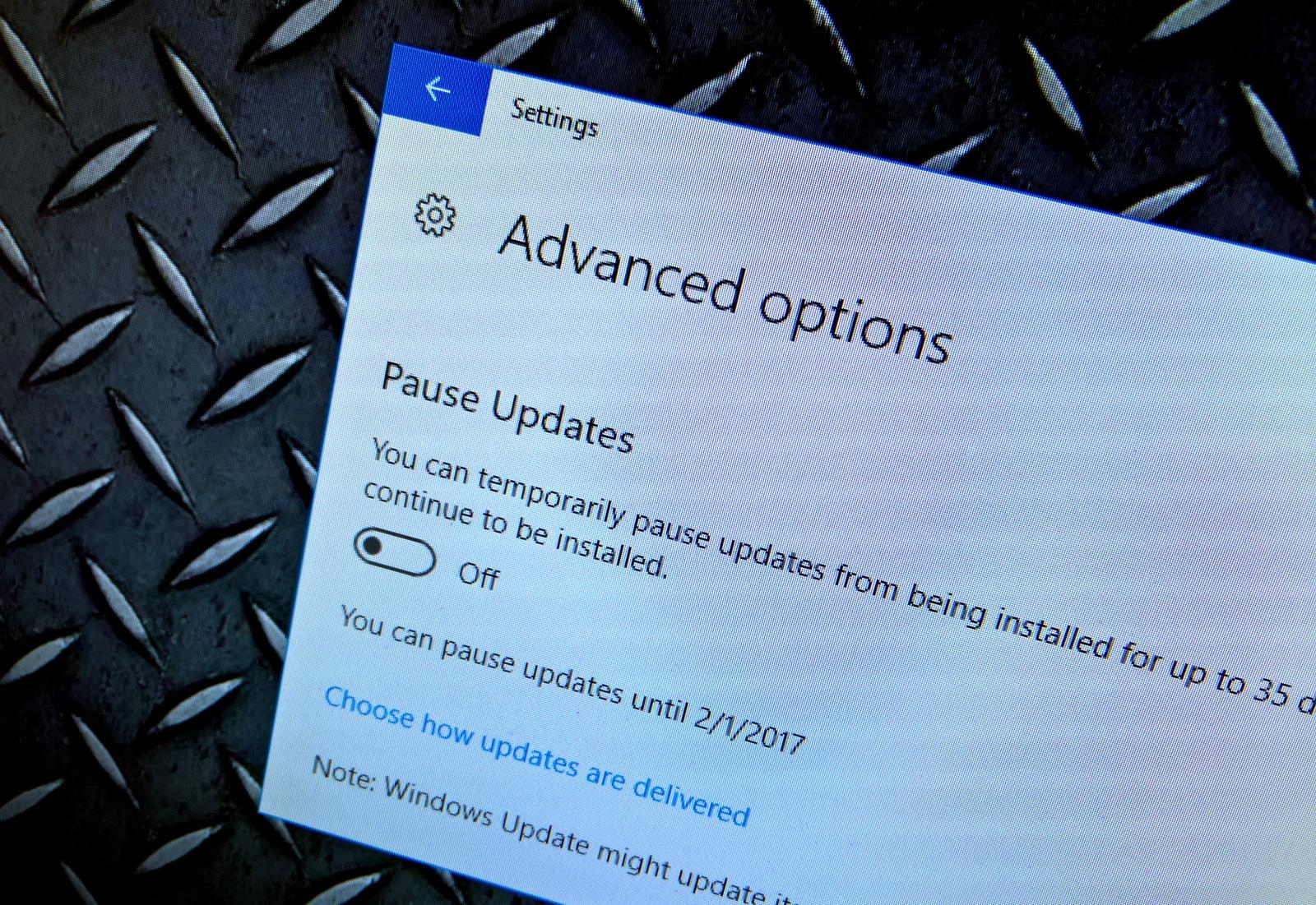 Pause Update settings on Windows 10