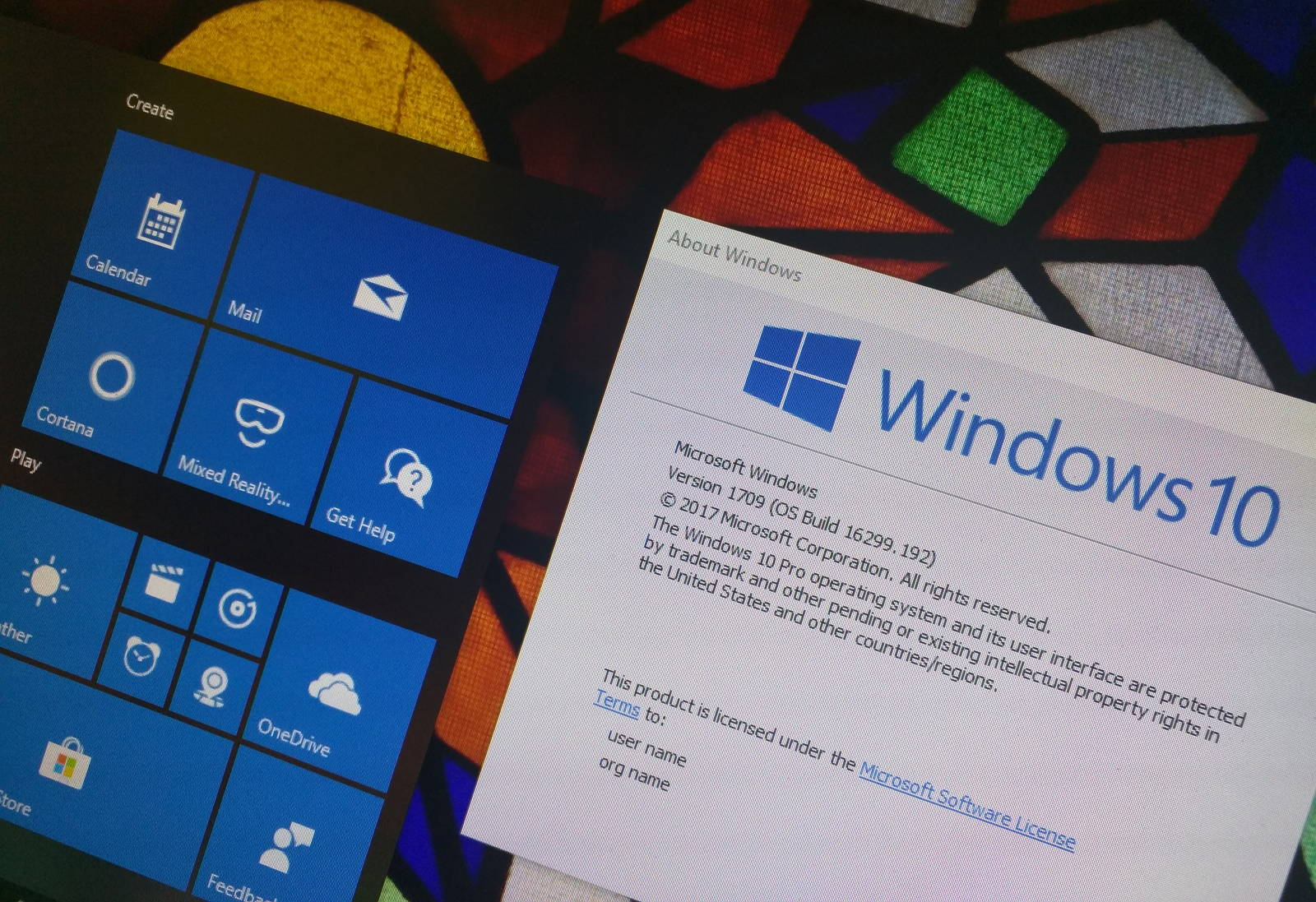 Windows 10 Fall Creators Update desktop with winver