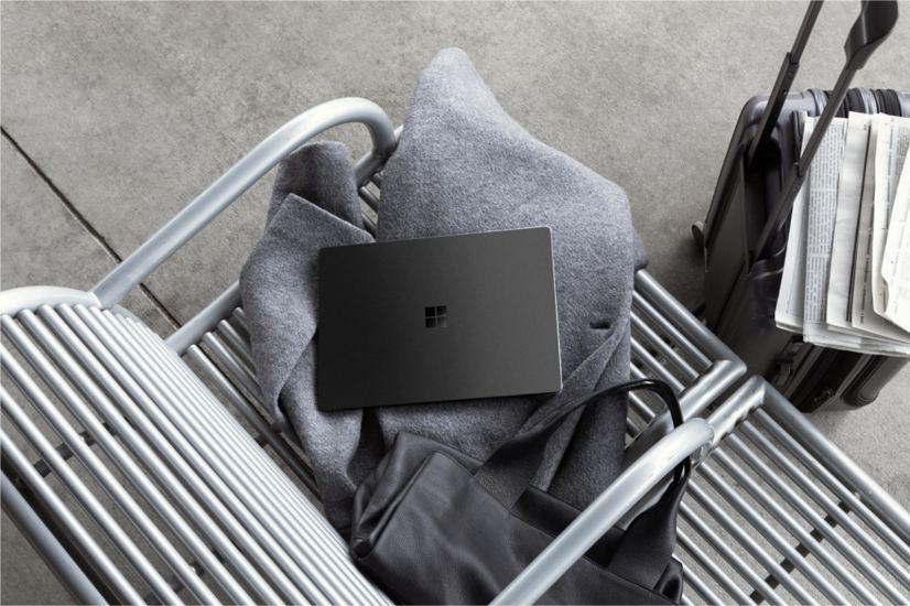 Surface Laptop 2 in black