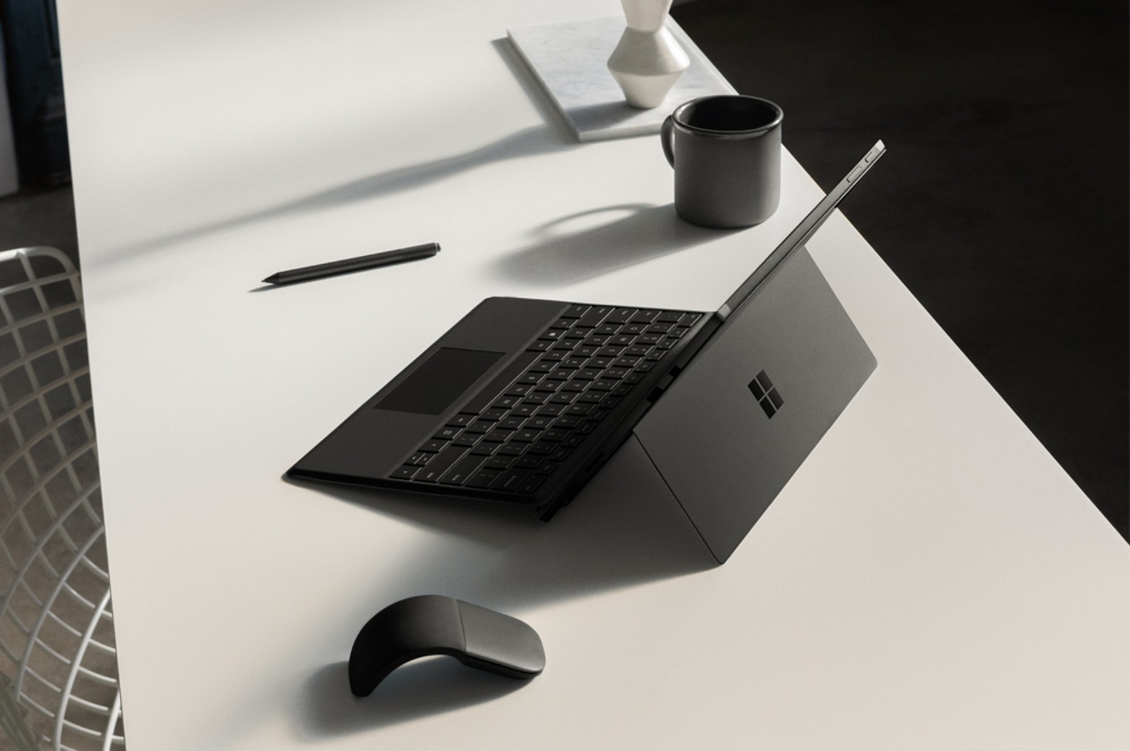 Surface Pro 6 in black