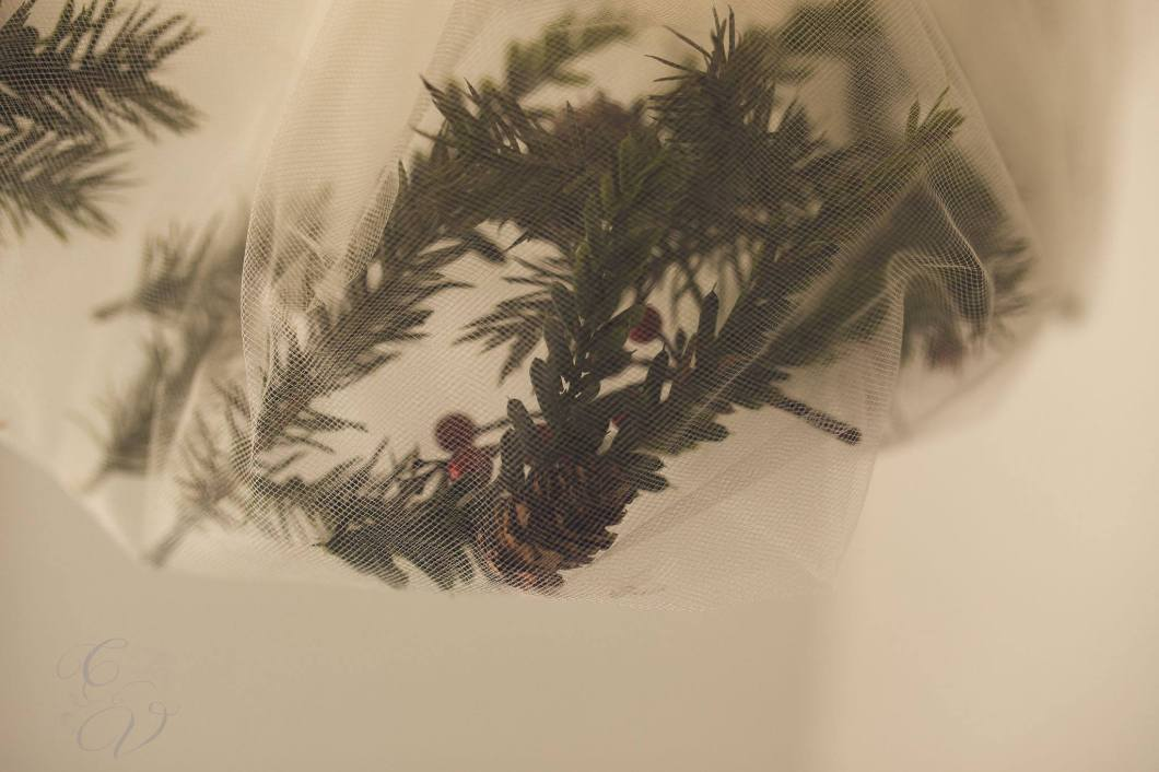 cora-and-violet-newborn-baby-photo-props-vendor-sneak-peek-holiday-collection-pine-needles-pinecone