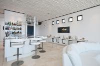 Pristine 3-bedroom Beach House For Rent in Malibu ...