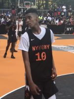 High School phenom Emoni Bates participated in the NY vs NY event even though he's from Michigan.