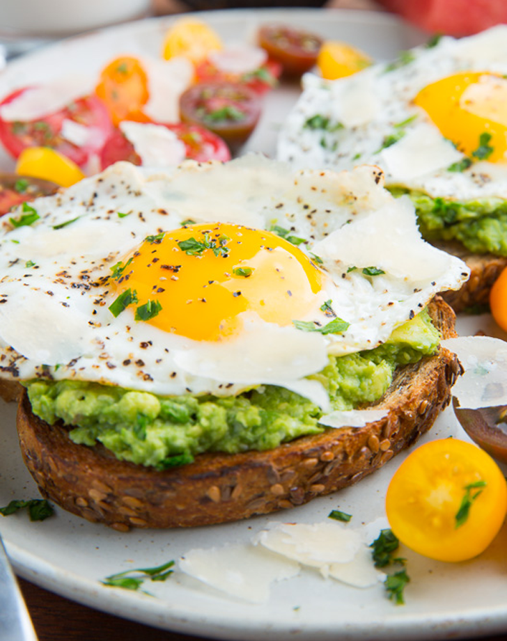 cheap meal ideas, cheap dinner recipes, avocado egg toast recipe