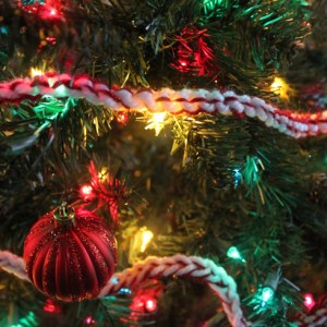 DIY Peppermint Twist Garland Easy Holiday Crochet Project for Beginners