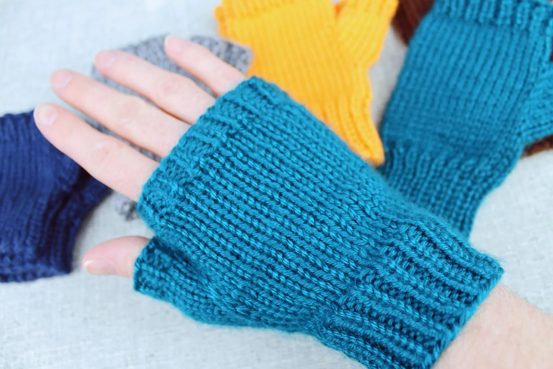 Handmade Adult Wool Dark Blue Knitted Mittens Medium Size
