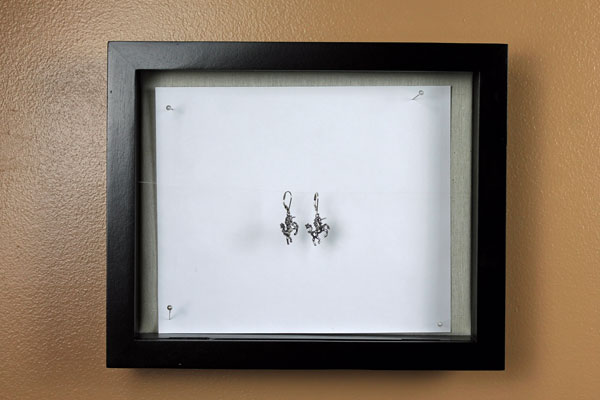DIY Jewelry Photography Stand for Earrings
