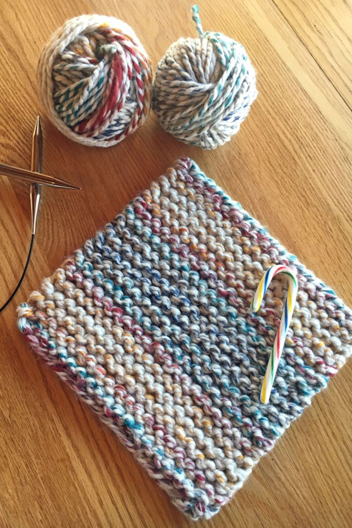 Free easy beginner knitting pattern, cherry candy cane potholder for Christmas or holiday parties, pattern from Liz @PurlsAndPixels