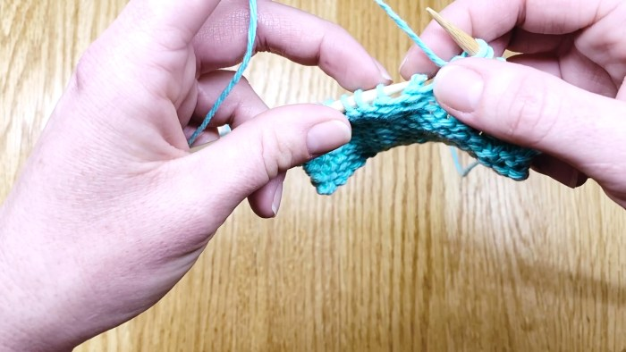Step 2: How to fix slipped knit stitches, a knitting lesson with Liz @PurlsAndPixels.
