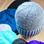 Basic Slouch Hat knitting pattern in all sizes by Liz Chandler @PurlsAndPixels.