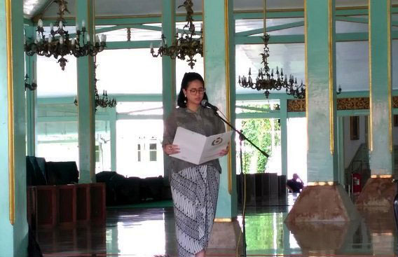 GRAj. Ancillasura Marina Sudjiwo memberikan sambutan pada Seminar Merevitalisasi Strategi Kebudayaan Mangkunegaran