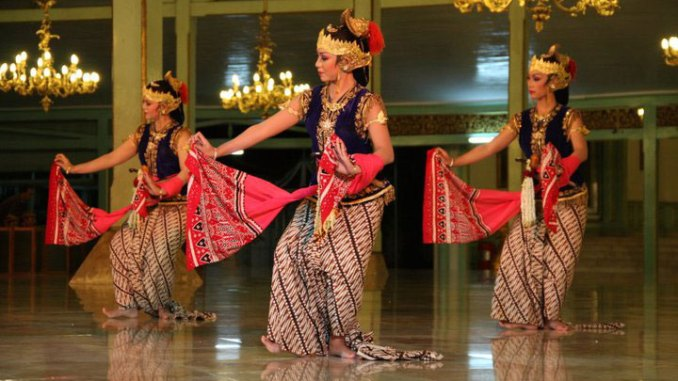 Tari Srimpi Bandelori tari gaya Mangkunegaran
