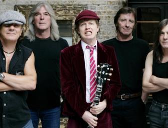 Cliff Williams é homenageado em seu último show como baixista do AC/DC