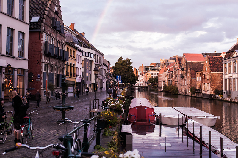 Ghent or Bruges? When visiting Belgium for a weekend we surely know what we would do. #belgium #roadtrip