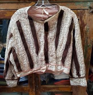 Magnolia Pearl Neopolitan Lace and Velvet Dali Jacket 197