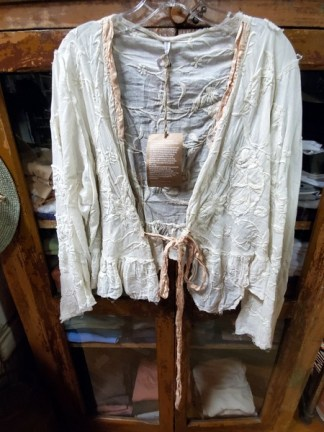 Magnolia Pearl Floral Lise Lotte Piano Shawl Jacket 342