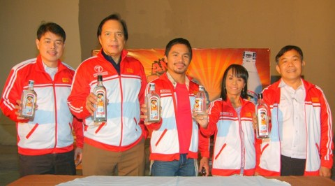 Ginebra San Miguel - Manny Pacquiao, Jaworski, and Mommy Dionisia