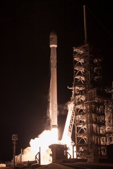 SpaceX - EchoStar 23 Launch (03-16-17)V1Med2b