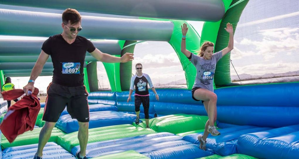 5 Unique Races To Run Nearby: Fall 2015 - Insane Inflatable 5K