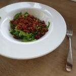 Zucchininudeln mit rotem Pesto