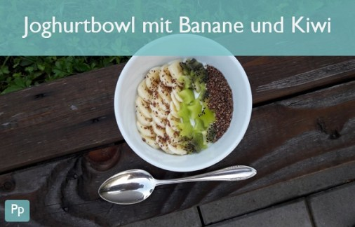 Joghurtbowl mit Banane und Kiwi