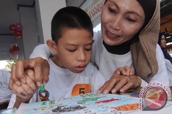 5 (Lima) Langkah Ajarkan Kemandirian/ Berkomunikasi pada  Anak Berkebutuhan Khusus