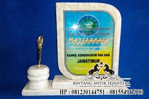 Vandel Marmer Surabaya, Plakat Vandel Marmer