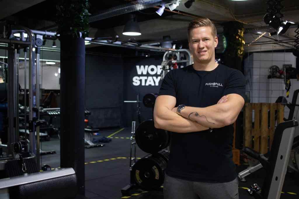 Powerlifting coach Gideon Pijnakker