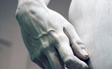 Michelangelo' nun muhteşem eseri Davut' un el detayı eserin büyüklüğünün bir göstergesidir.