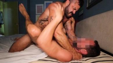 Photo of Fuxelate – Rogan Richards socando o cuzinho de macho anônimo sem capa