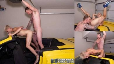 Photo of DJ fodendo o cuzinho de Sherman Maus em cima de um Porsche – Bareback