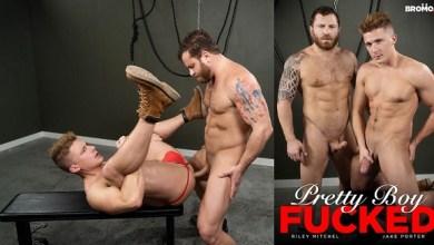 Photo of Pretty Boy Fucked – Riley Mitchel barebacks Jake Porter