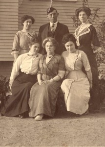 Blanch, Ike and Lena Putnam Maud Bryant, Mother Peters, and Allace Bryant
