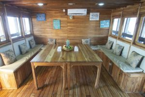 Indoor Dinning Room Maipa Deapati Liveaboard