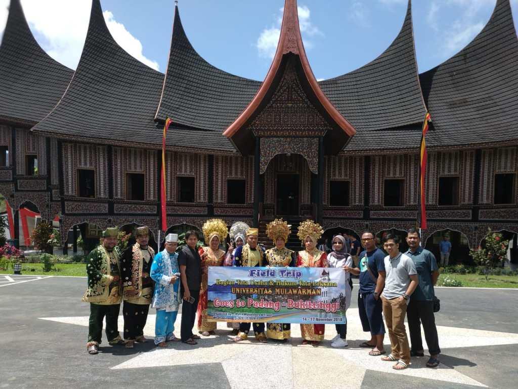 Paket Wisata Minangkabau Bukittinggi Padang Tour