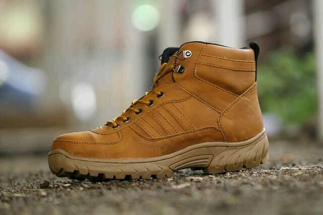 Image result for Apa sih Manfaat Sepatu Safety itu Sendiri ?