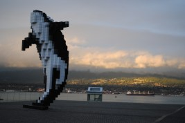 Awesome Whale statue by the harbour