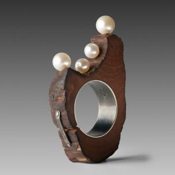 Nicolas Estrada, ring ''Spring'' - wood, silver 925, pearls