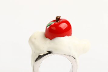 BARBARA UDERZO Italy, ring – Silver plated with rodium, plastic, silver apple plated with enamel