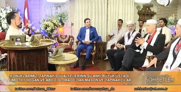 Harun Yahya (Adnan Oktar) na skupu sa svojom braćom najvišim templarima i masonima iz SAD-a