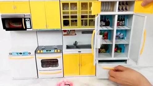 barbie kitchen playset faucets oil rubbed bronze 芭比娃娃厨房玩具 腾讯视频 芭比玩具 芭比娃娃 帮助白雪将厨房组装并且装饰